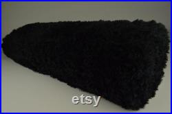 Super soft Fake Fur in Black on a roll of 10 meters.